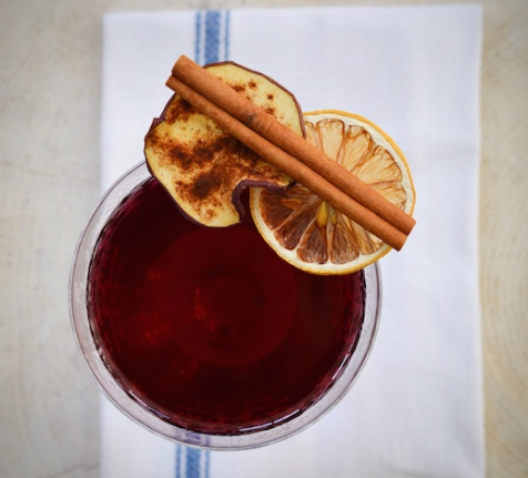 RECIPE FROM OUR BEACH HOUSE: TEA-INFUSED MULLED WINE